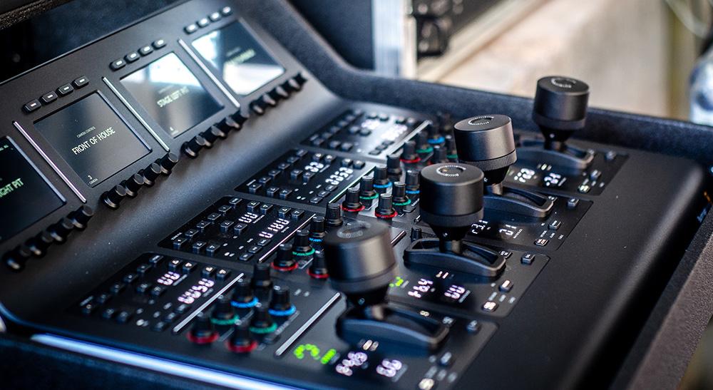Blackmagic URSA Broadcast、URSA Camera Fiber Converter、URSA Studio Fiber Converter、ATEM 1 M/E Production Studio 4K、ATEM 1 M/E Advanced Panel、ATEM Camera Control、Teranex AV、Smart Videohub